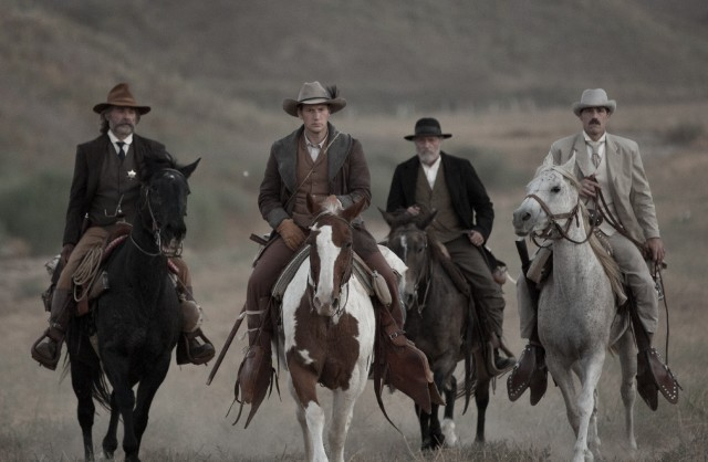 bone-tomahawk-kurt-russell-patrick-wilson-matthew-fox-and-richard-jenkins